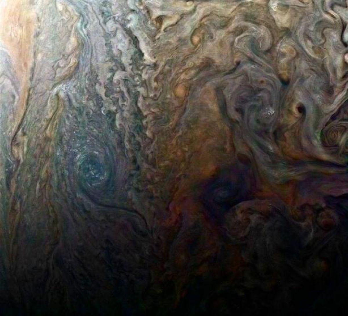 image_58d7ca5a7ae0e5.378572651 Опубликованы фото крупного урагана на Юпитере