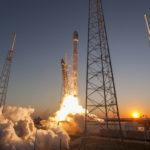 yurij_gagarin_kosmonavt_sssr_skafanrd_97869_2206x1650-300x224 Первый полет Гагина в космос - это великое достижение технологического прогресса